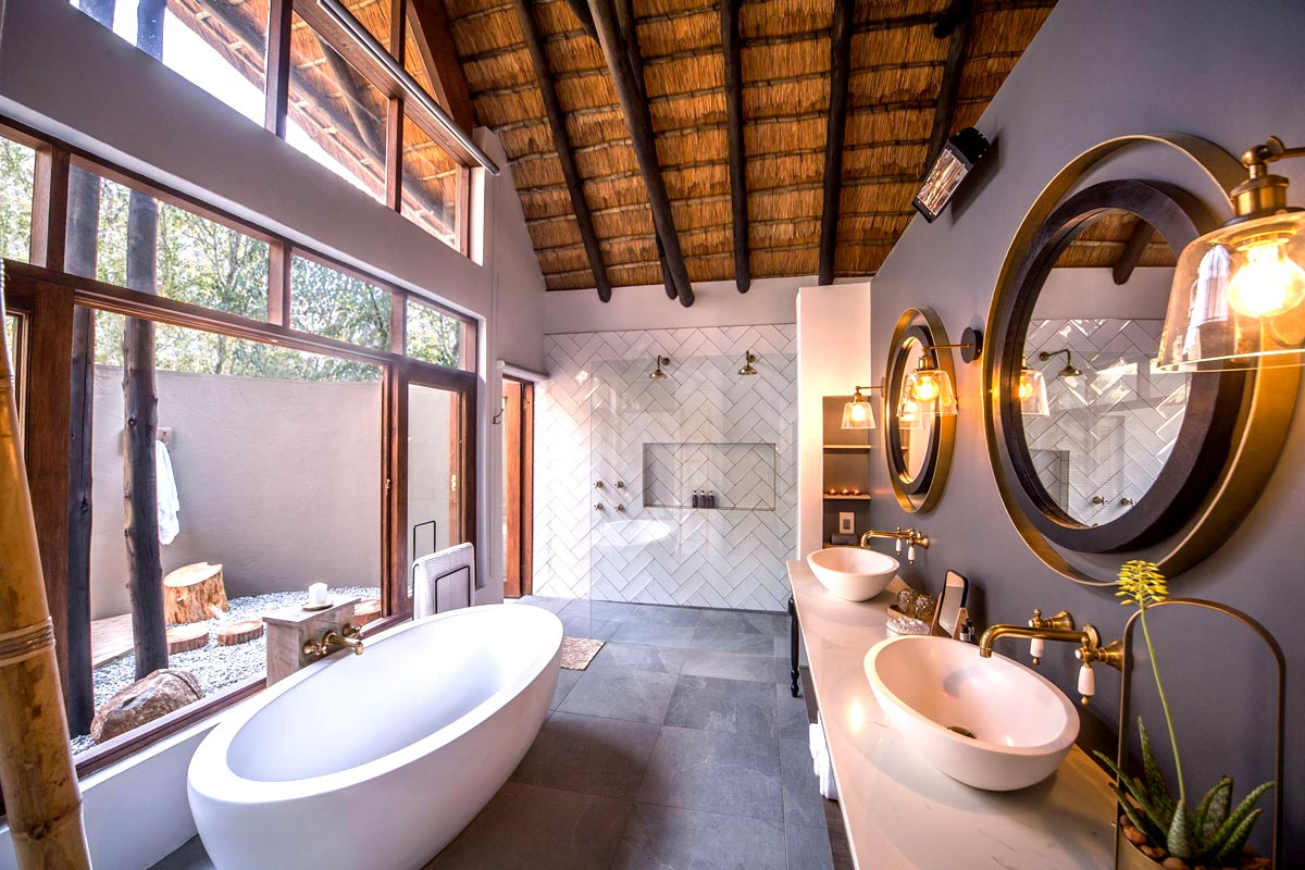 Nkala-Lodge-Bathroom.jpg